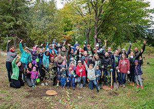 450 nouveaux arbres et arbustes plantés à Québec cet automne !