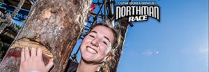 Distribution d'arbres à la Northman Race au Mont-Sainte-Anne